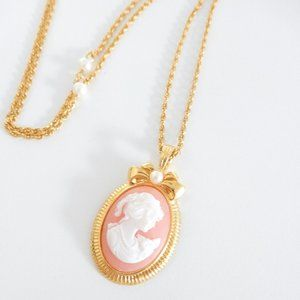 Vintage Avon Cameo Necklace in Gold and Pink